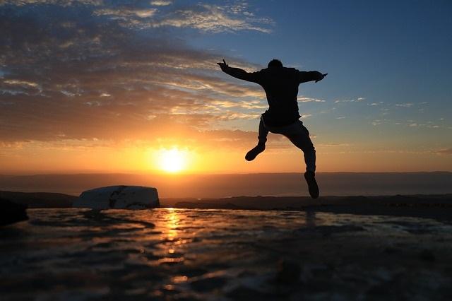 Das Glück finden – und 11 Tipps zum unglücklich sein